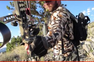 ZAC GRIFFITH ARCHERY SHOT ON NON-TYPICAL MULE DEER!!!